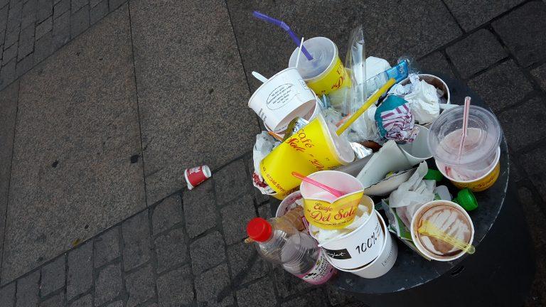 Wir haken nach: Ansprechpartner für Müll und Mängelapp